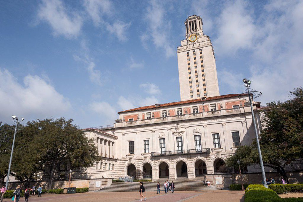 The main building of the University of Texas at Austin.