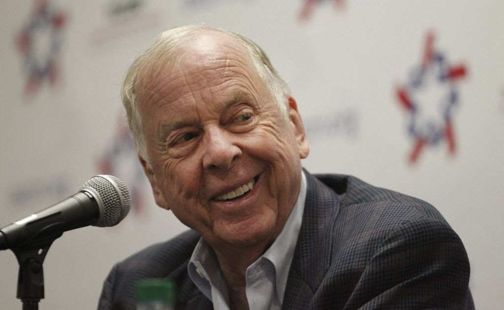 Boone Pickens might give to charity but won't 'let you cheat him,'lawyers tell jurors to open trial