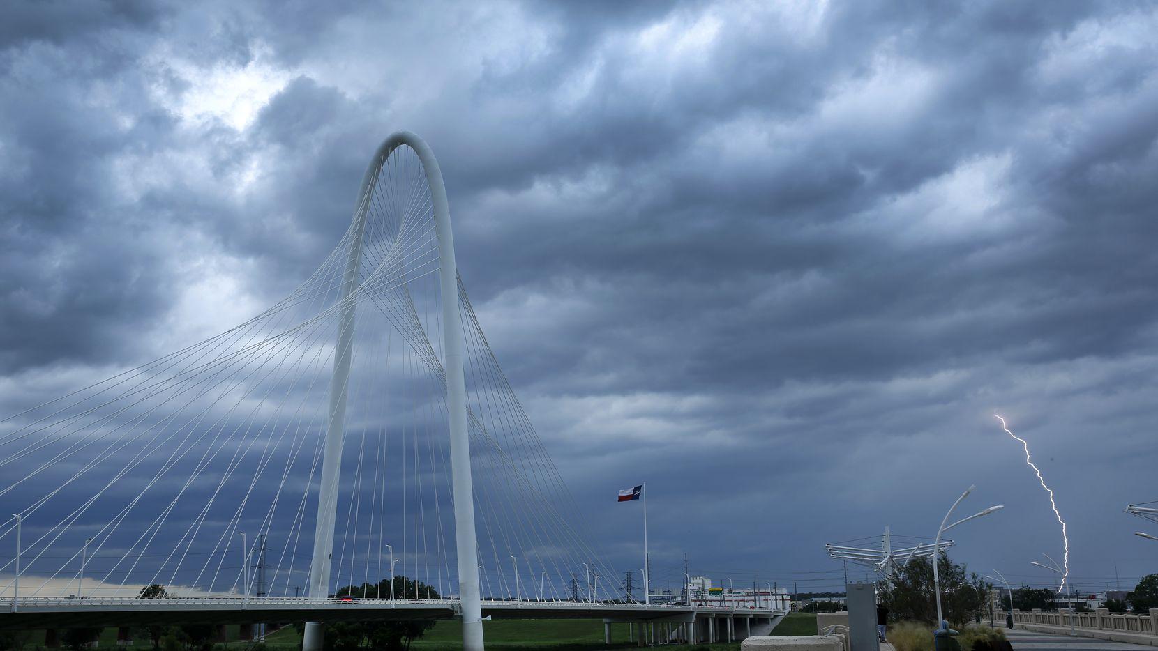 Se espera tormentas aisladas el martes y miércoles en el Norte de Texas.