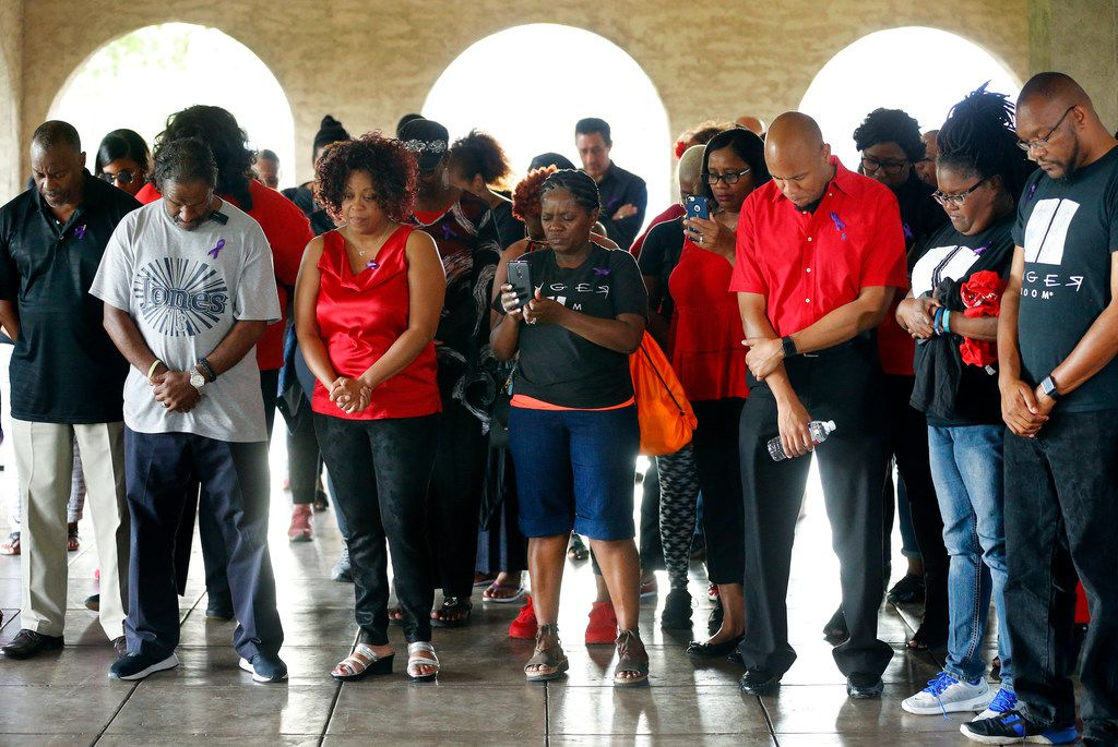 Friends and family of Donna Alexander gathered for a vigil in her honor, Monday, October 1, 2018 at Cole Park in the Uptown area of Dallas. Donna's estranged boyfriend Nathaniel Mitchell, 34, was charged with murder after Alexander died a week after being beaten. Alexander was founder of the Deep Ellum's Anger Room, a warehouse designed to help people cope with stress. (Tom Fox/The Dallas Morning News)
