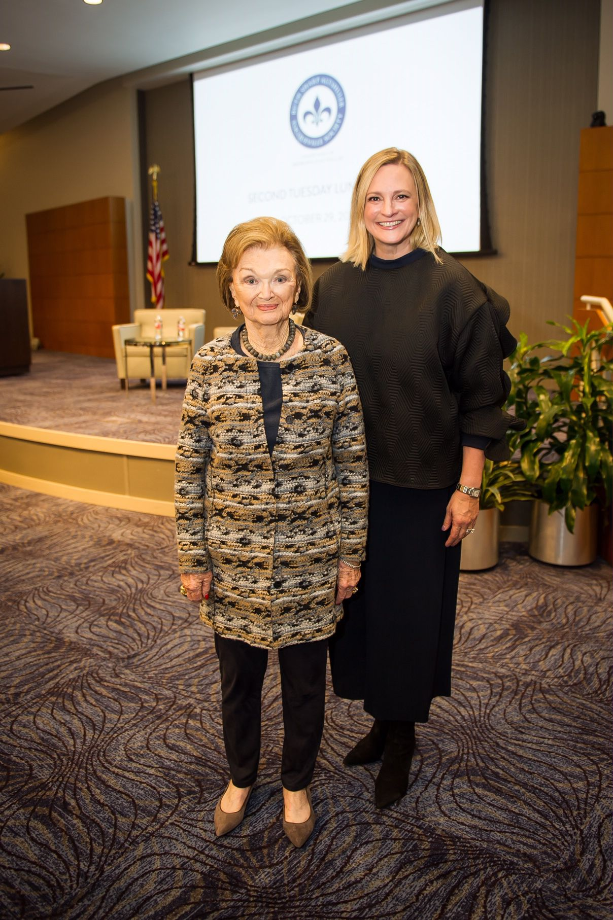 Mary Anne Cree (left) with Jennifer Sampson, CEO of the United Way of Metropolitan Dallas, at the Tocqueville Society luncheon at the Federal Reserve Bank of Dallas on Oct. 29, 2018.