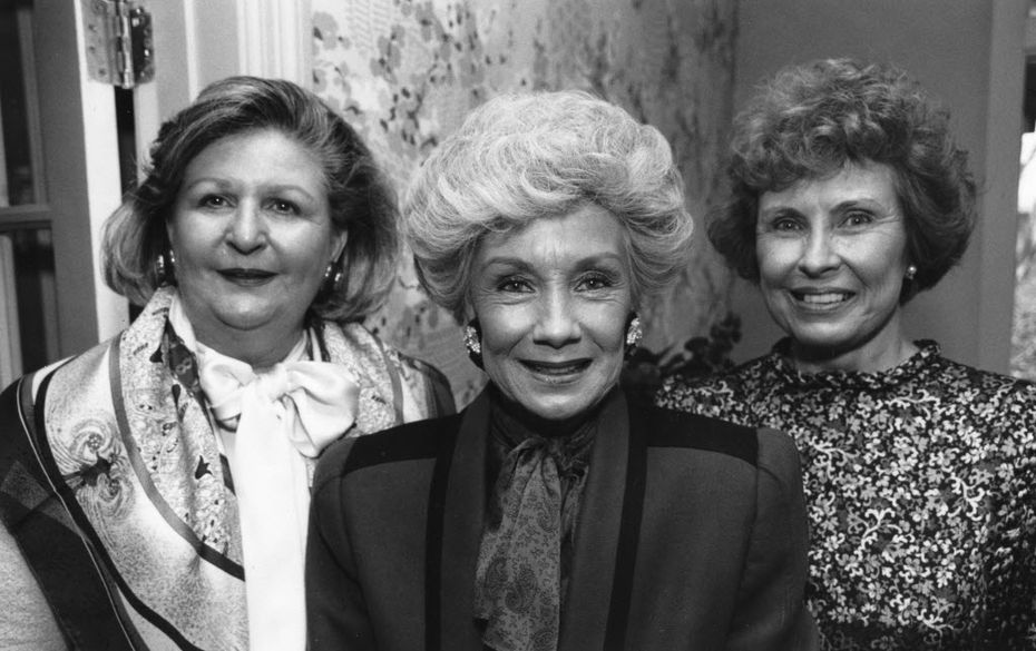Nancy Cheney (right), pictured with Lindalyn Adams (left) and Billie Leigh Rippey (center) at a tea Jan. 4, 1990, at the residence of Allie Beth and Pierce Allman.