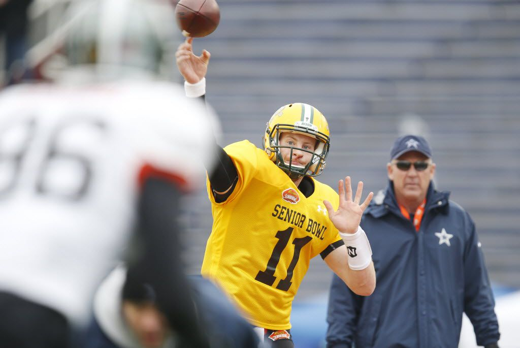 North Dakota State quarterback Carson Wentz of  (11) passes the ball during drills at an NCAA college football practice for the Senior Bowl, Wednesday, Jan. 27, 2016, at Ladd–Peebles Stadium, in Mobile, Ala. (AP Photo/Brynn Anderson)