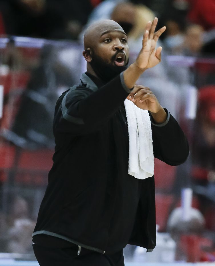 Dallas Pinkston head coach Cedric Griffin shouts instructions to his players during a Class 4A regional quarterfinal boys basketball playoff game against Dallas Carter at Skyline High School in Dallas, Saturday, February 27, 2021. (Brandon Wade/Special Contributor)