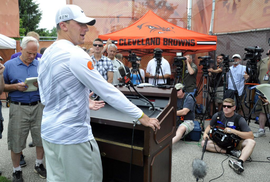Cleveland Browns quarterback Johnny Manziel addresses the media after NFL football minicamp in Berea, Ohio, Wednesday, June 17, 2015. (AP Photo/David Richard)