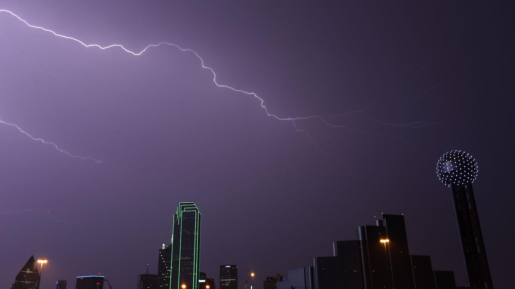 Se anticipan tormentas en a noche del martes en Dallas.
