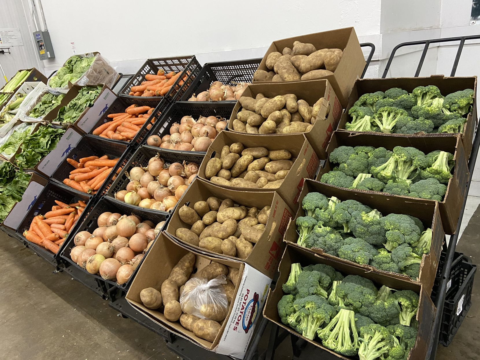 FreshPoint, the produce arm of the mega-wholesaler Sysco, is now selling to the public for the first time.
