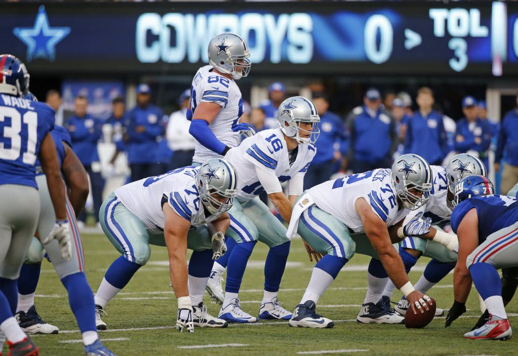Dallas Cowboys quarterback Matt Cassel (16) calls signals under center as he leads the Cowboys to a field goal on the first possession of the game during the Dallas Cowboys versus the New York Giants NFL football game at MetLife Stadium in East Rutherford, NJ on Sunday, October 25, 2015. (Louis DeLuca/The Dallas Morning News)