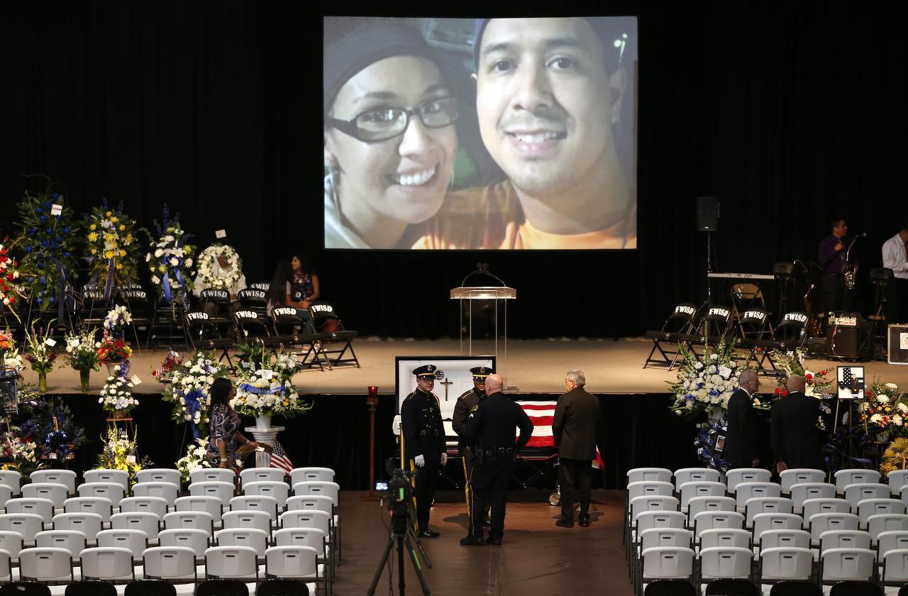 Patrick Zamarripa fue uno de los cinco policías fallecidos en una emboscada el 7 de julio. Habrá una beca estudiantil en su nombre. (DMN/JAE S. LEE)