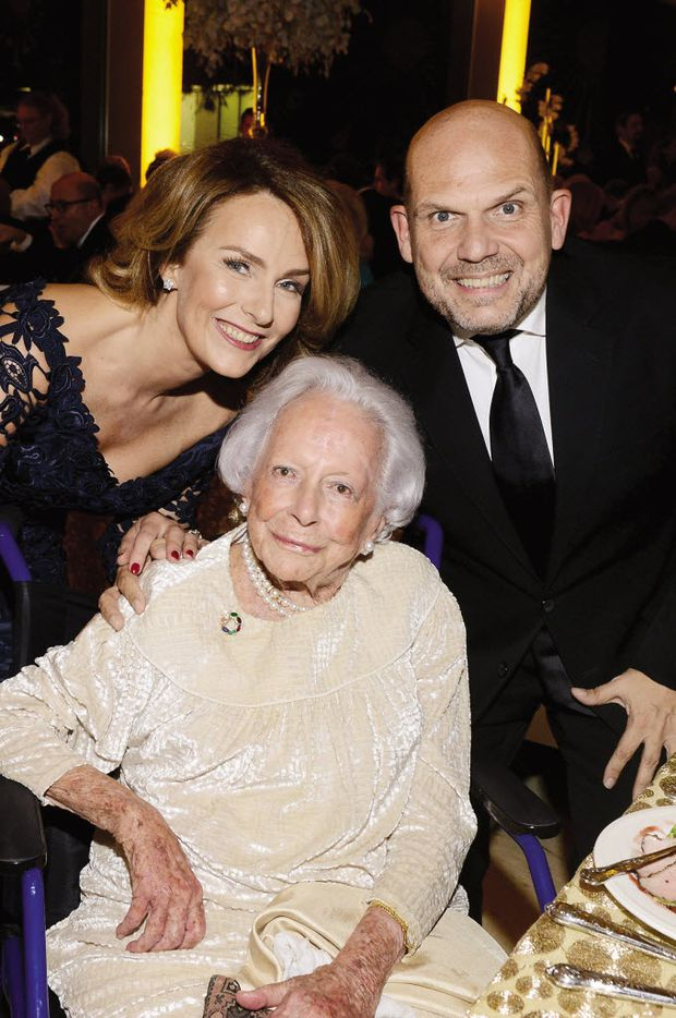 Dallas Symphony Orchestra conductor Jaap van Zweden, with Aaltje van Zweden, took a photo with Margaret McDermott at a 2015 DSO gala. (Kristina Bowman)