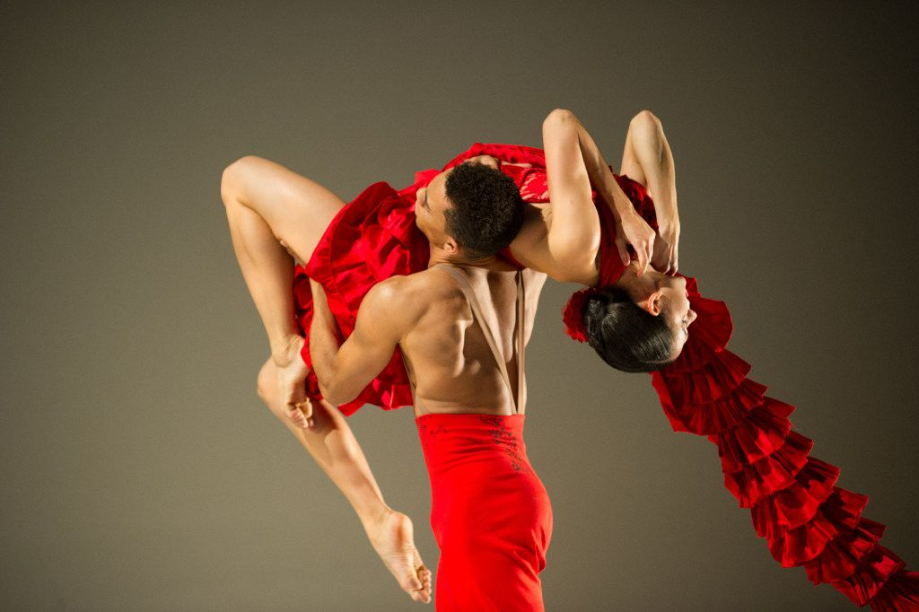 """Ballet Hispánico in Annabelle Lopez Ochoa's """"Linea Recta,"""" part of the company's program at Moody Performance Hall."""
