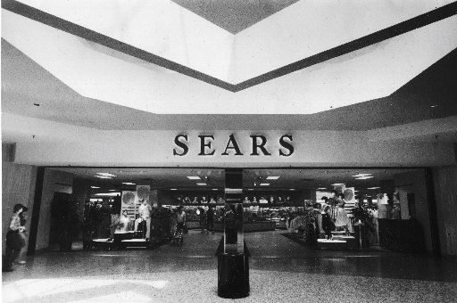 The mannequins struck serious poses at the entrance to Sears in Valley View in 1984.