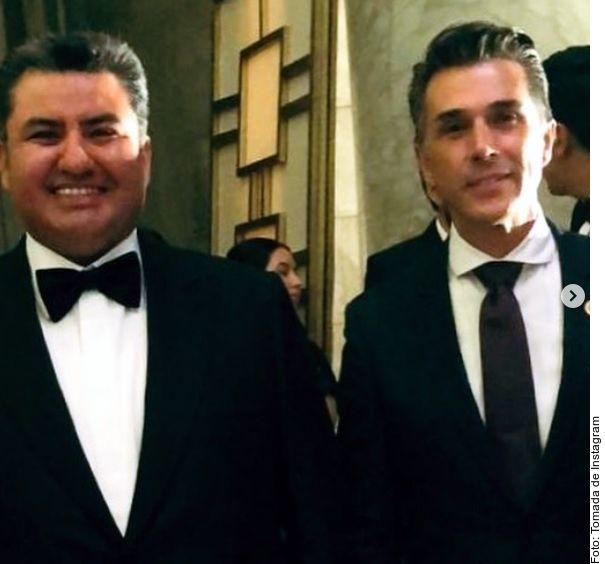 Sergio Mayer (der.) se desmarcó de Naasón Joaquín García (izq.), líder de la Luz del Mundo detenido ayer en EU por pornografía infantil y abuso sexual de menores./ AGENCIA REFORMA
