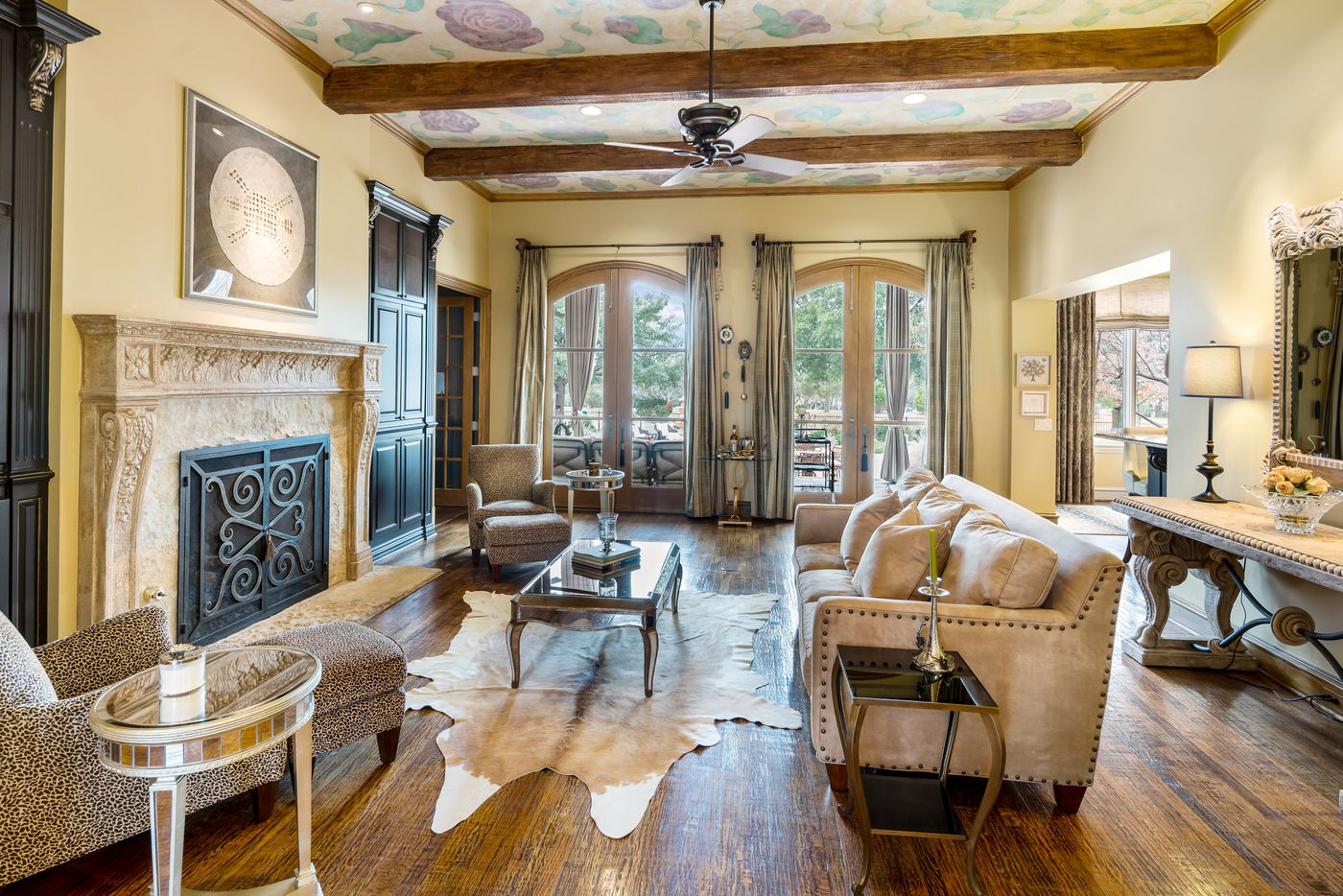 Take a look inside the home at 15 Riva Ridge in Frisco, TX.