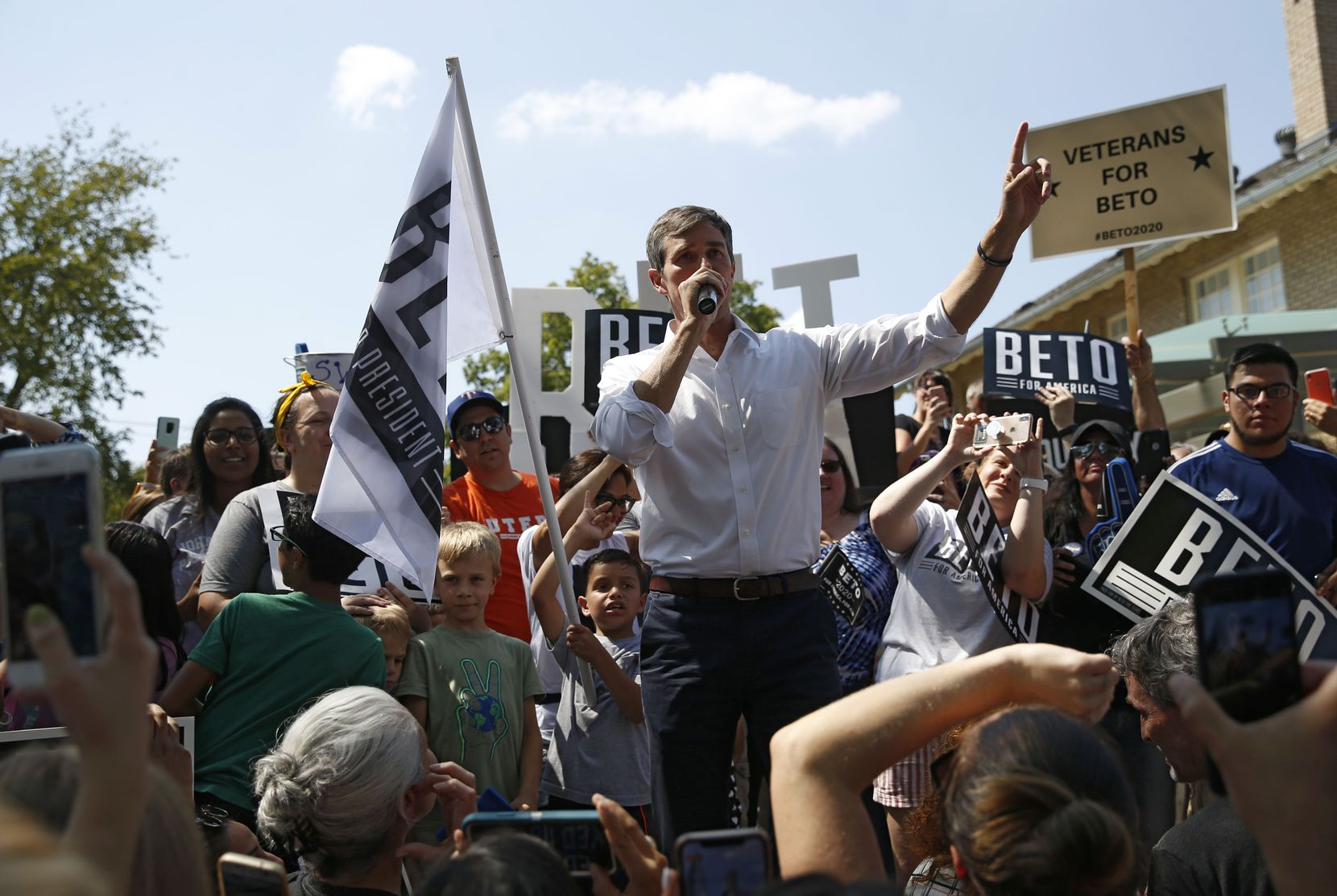 Democratic presidential candidate Beto O'Rourke spoke at a campaign event at Haggard Park in Plano on Sunday.