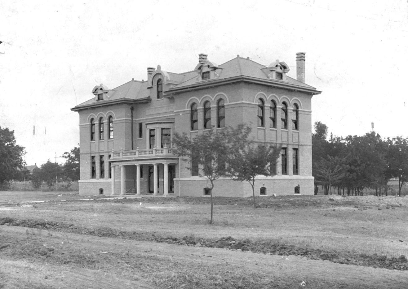 Undated photo of David Crockett School, built in 1903 on North Carroll Avenue. The school has had numerous names.