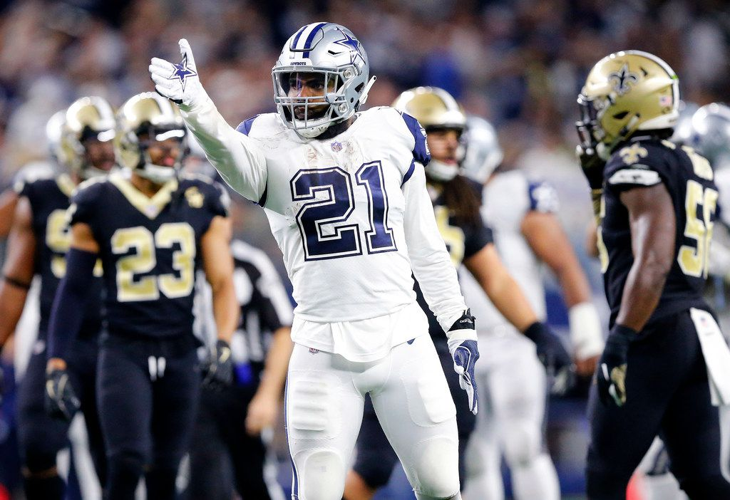 Dallas Cowboys running back Ezekiel Elliott (21) celebrates his big final drive run against the New Orleans Saints in the fourth quarter at AT&T Stadium in Arlington, Texas, Thursday, November 29, 2018. The Cowboys pulled out a 13-10 win. (Tom Fox/The Dallas Morning News)