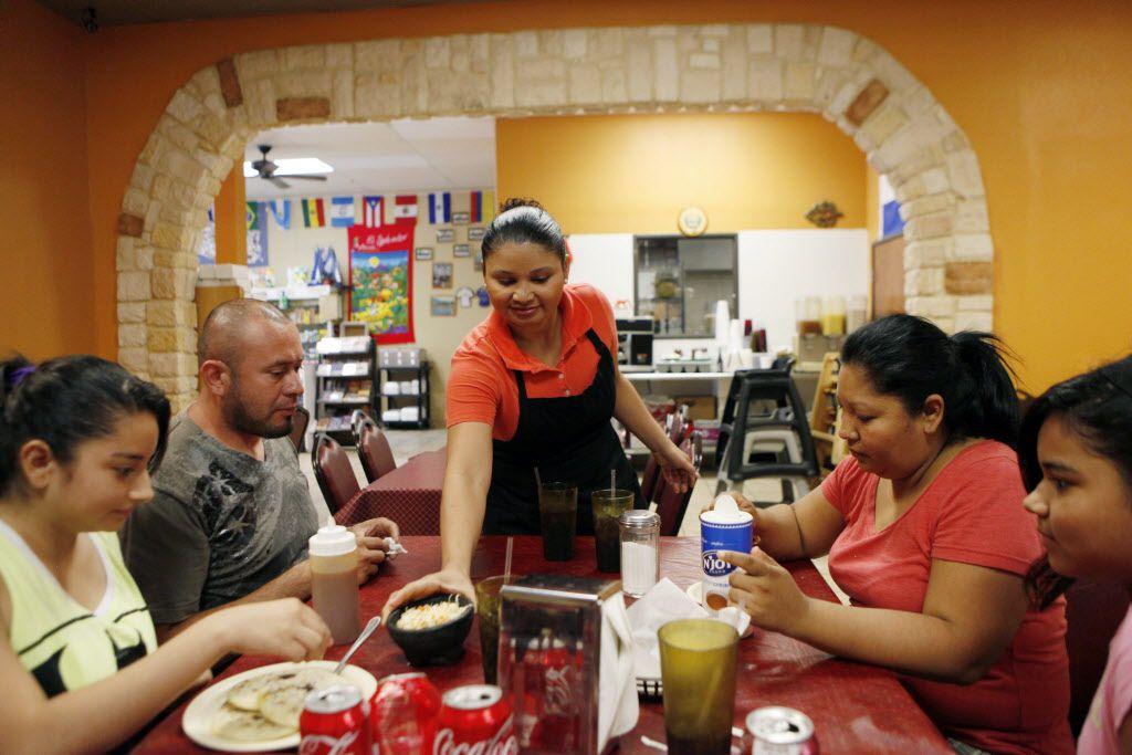 La Campiña Salvadoreña, en Oak Cliff, ofrece comida auténtica de El Salvador. (ESPECIAL PARA AL DÍA/FOTOS: BEN TORRES)