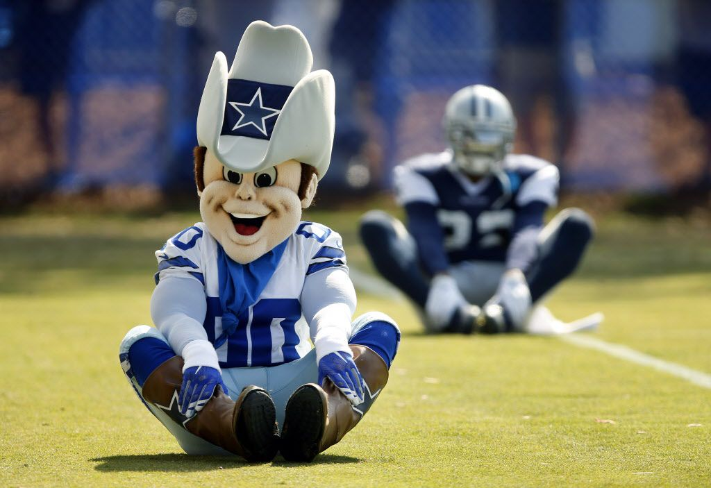 Dallas Cowboys mascot Rowdy stretches with the tram before afternoon practice at training camp in Oxnard, California, Thursday, August 4, 2016. (Tom Fox/The Dallas Morning News)
