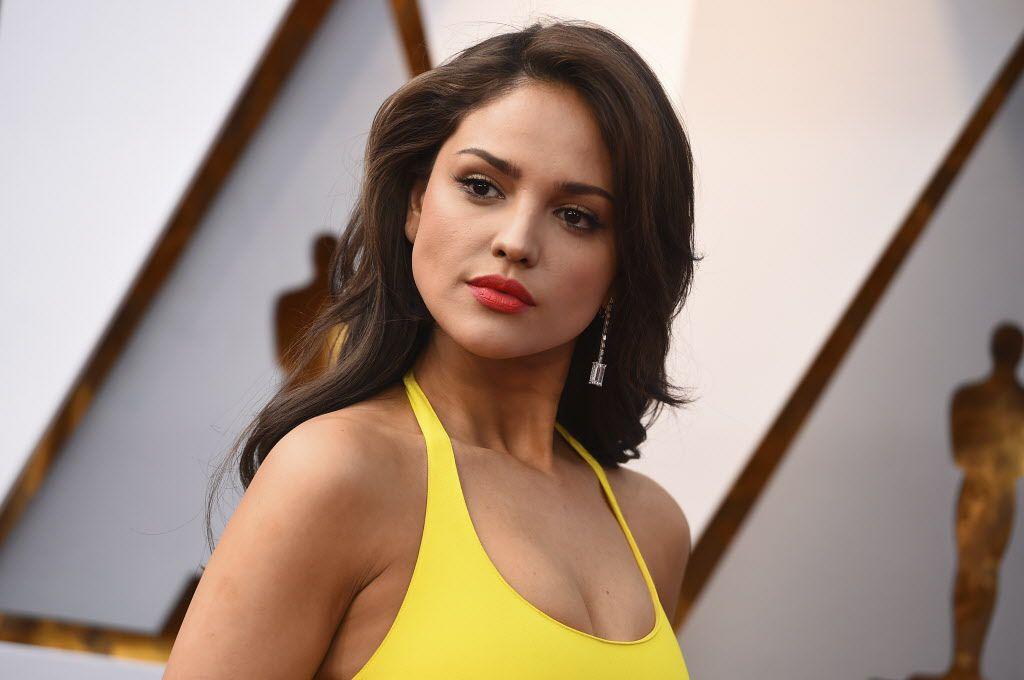 Eiza González fue una de las presentadoras de la ceremonia de los premios Oscar./ AP