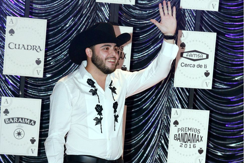 En el programa de El gordo y La Flaca dieron a conocer el rancho que hace unos meses adquirió el cantante Gerardo Ortiz al pie de las Montañas de Verdugo, muy cerca de Los Ángeles./ AGENCIA REFORMA