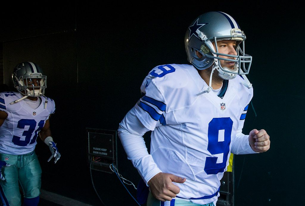 Dallas Cowboys quarterback Tony Romo (9) takes the field to face the Philadelphia Eagles in an NFL football game at Lincoln Financial Field on Sunday, Jan. 1, 2017, in Philadelphia. (Smiley N. Pool/The Dallas Morning News)