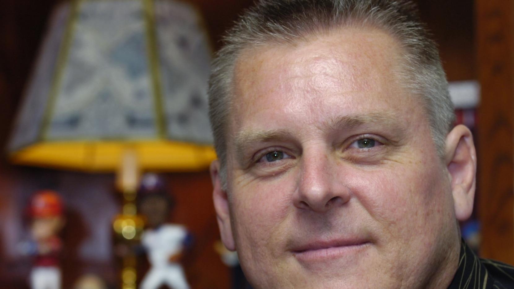Rangers radio announcer Dave Barnett, a Denton native, at his home on Wednesday July 15, 2009.