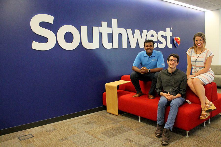 Vignesh Aramdas, Anthony Falvo y Rachel Taylor trabajaron este verano en el programa de becarios de Southwest Airlines. KARLA ROMERO/DMN