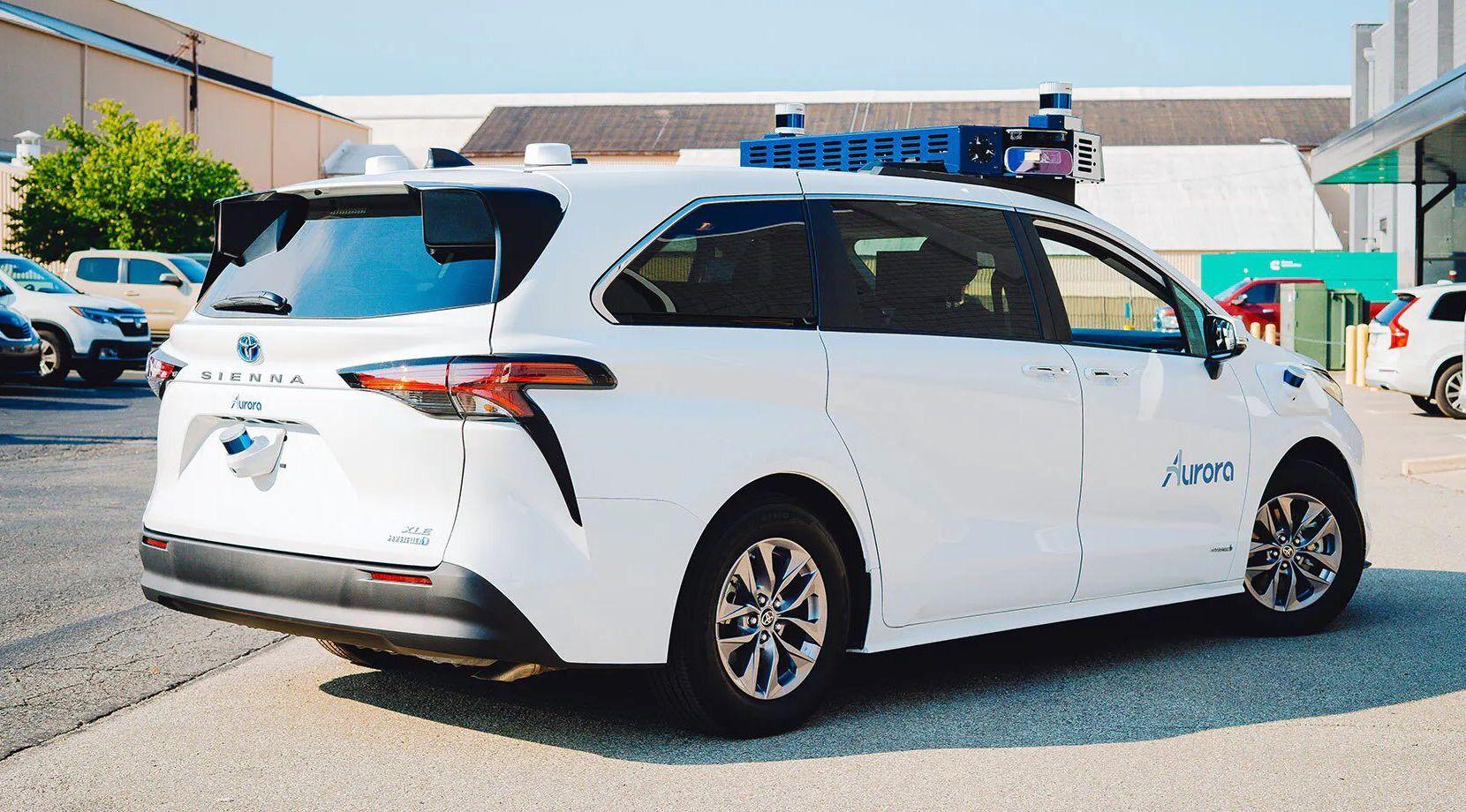 Este es el Toyota Sienna Autono-MaaS con tecnología que le permite no tener un piloto. Los vehículos autónomos ciruclarán por las calles de Dallas en los próximos meses.