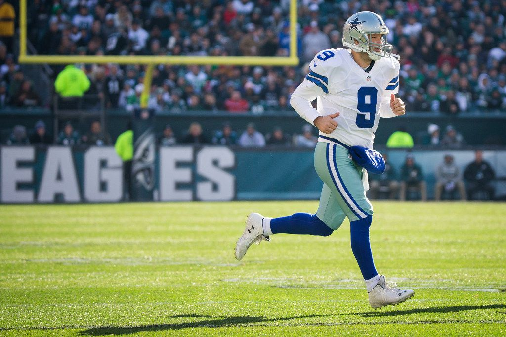 Dallas Cowboys quarterback Tony Romo (9) checks into the game during the first half of an NFL football game against the Philadelphia Eagles at Lincoln Financial Field on Sunday, Jan. 1, 2017, in Philadelphia. (Smiley N. Pool/The Dallas Morning News)