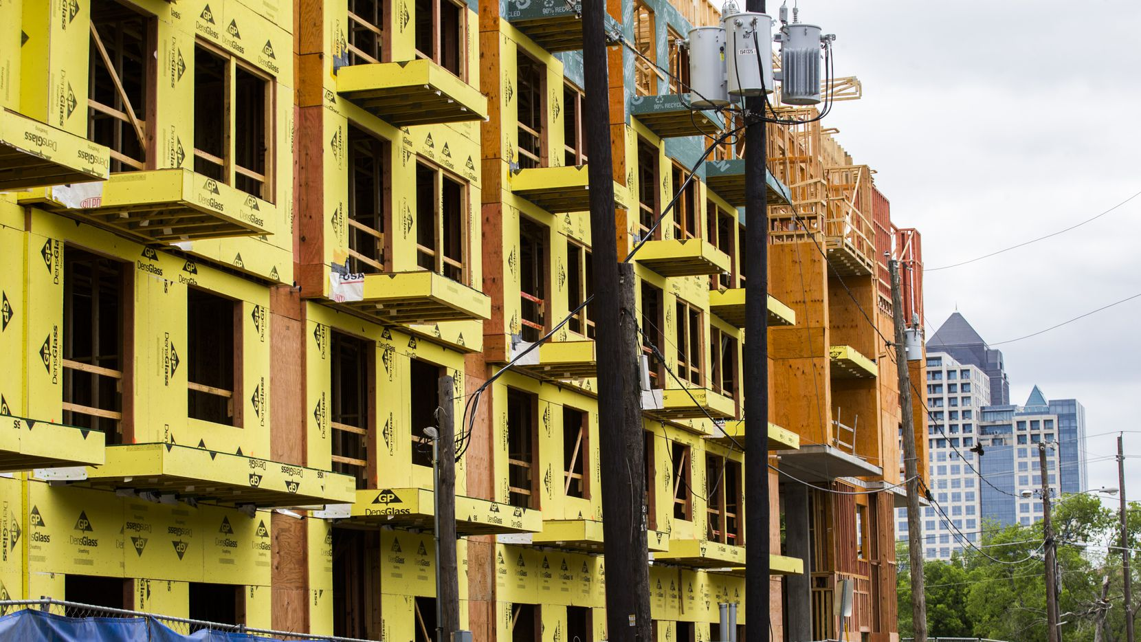Apartment building permits are down almost 20 percent in North Texas this year but more than 47,000 units are still under construction. (Ashley Landis/Staff Photographer)