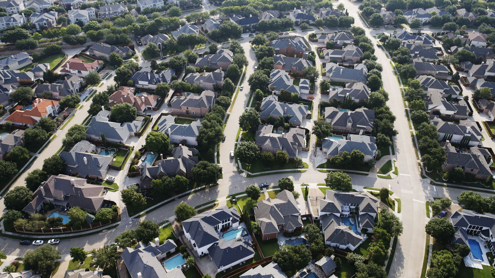 Some of these homeowners in West Plano may have hired a property tax consultant to handle their tax protests. Watchdog Dave Lieber believes that could easily give an unfair advantage in a system that's based, or supposed to be, on fairness. (Vernon Bryant/Staff Photographer)