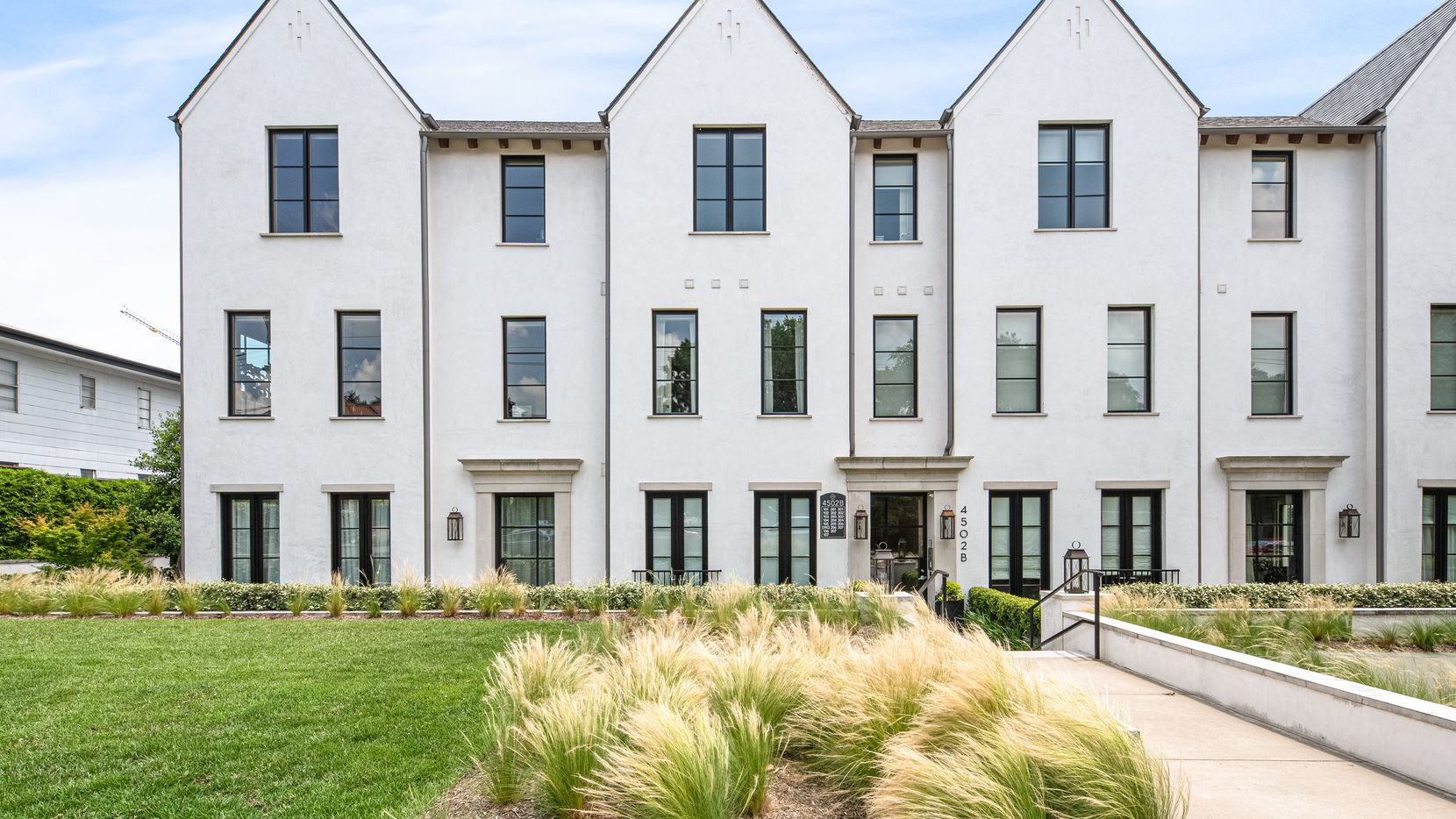 A look at 4502 Abbott Avenue, Unit 301 in Dallas.