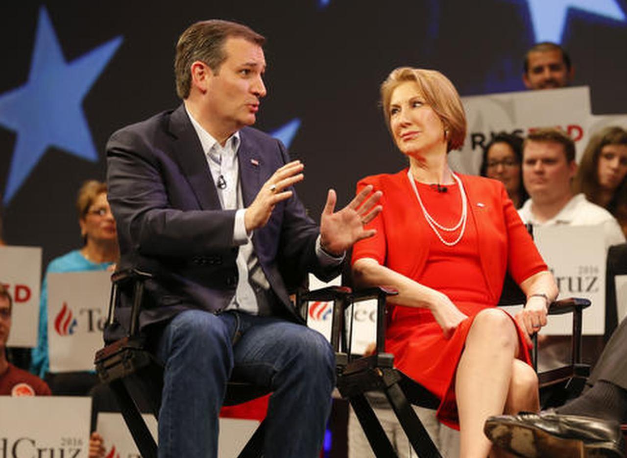 El senador de Texas Ted Cruz junto a Carly Fiorina en marzo pasado. Cruz anunció que Fiorina será su candidata vicepresiencial. (AP/MIKE CARLSON)