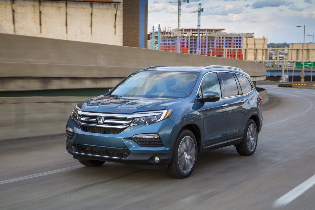 Honda Pilot Elite crossover, one of the Honda vehicles cited by U.S. News & World Report.