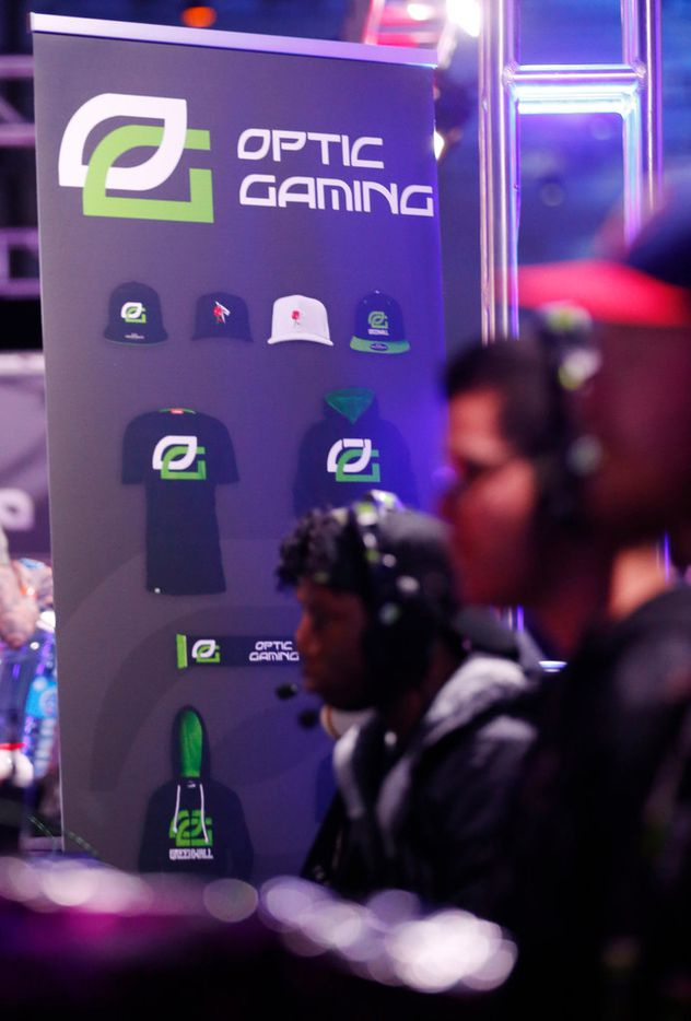Teams go head to head at the Optic Gaming kiosk at the Call of Duty World League tournament at the Dallas Convention Center in Dallas, on Friday, December 8, 2017.  (Vernon Bryant/The Dallas Morning News)