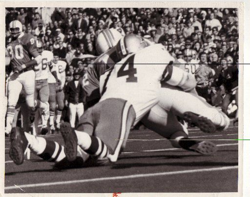 Bob Lilly sacked Miami's Bob Griese for a 29-yard loss in Super Bowl VI. (File photo)