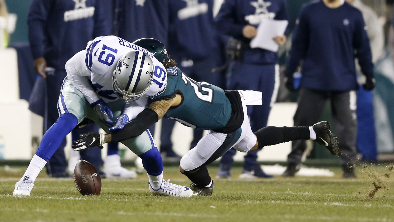 Dallas Cowboys wide receiver Amari Cooper (19) drops a pass on third down as Philadelphia Eagles cornerback Avonte Maddox (29) defends during the first half of play at Lincoln Financial Field in Philadelphia on Sunday, December 22, 2019.