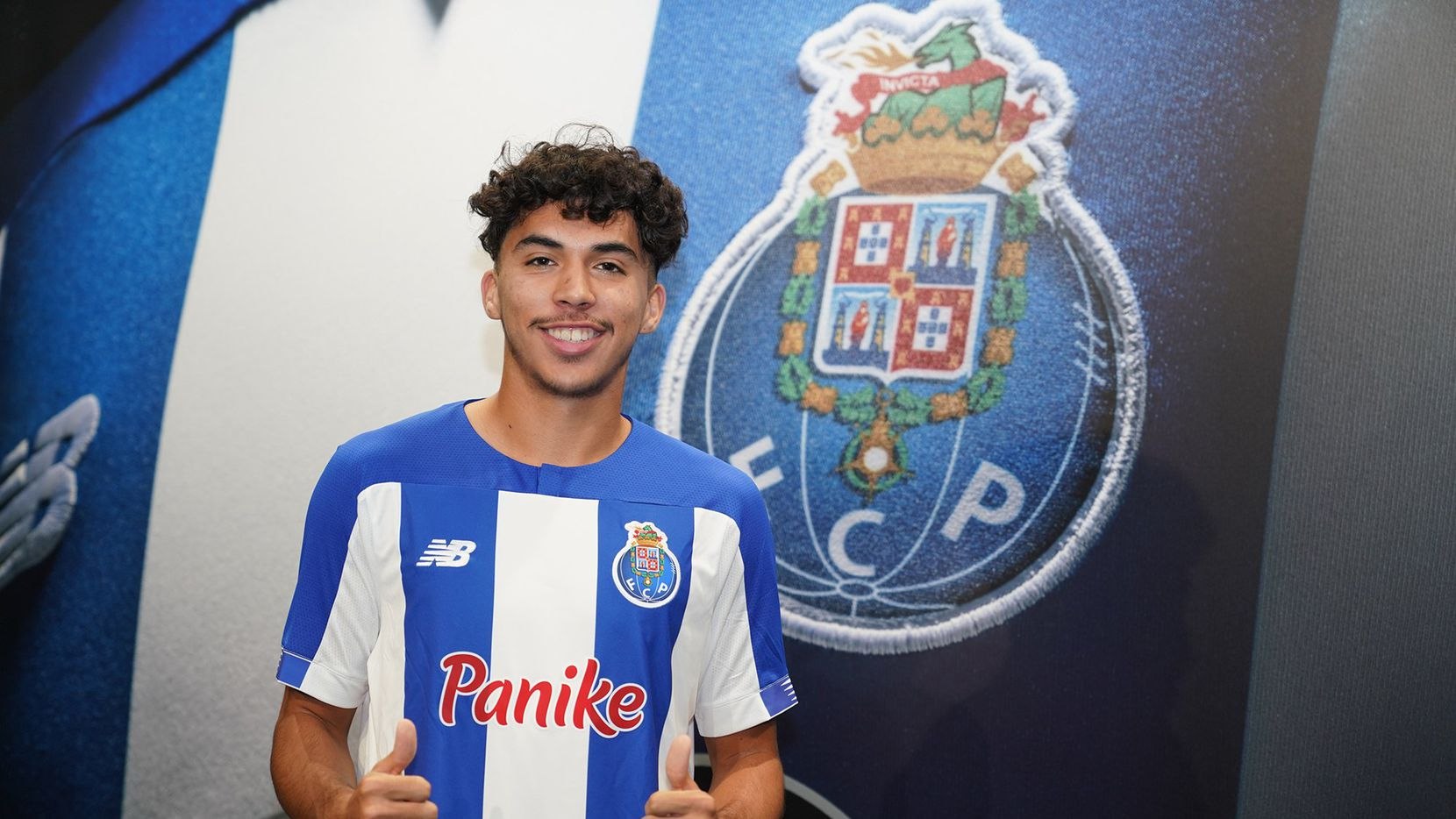 Former FC Dallas Academy U19 striker Johan Gomez signs with FC Porto.