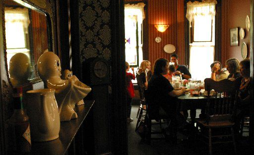 Catfish Plantation, a restaurant located in Waxahachie, is known for great catfish and ghosts that reside inside the restaurant.