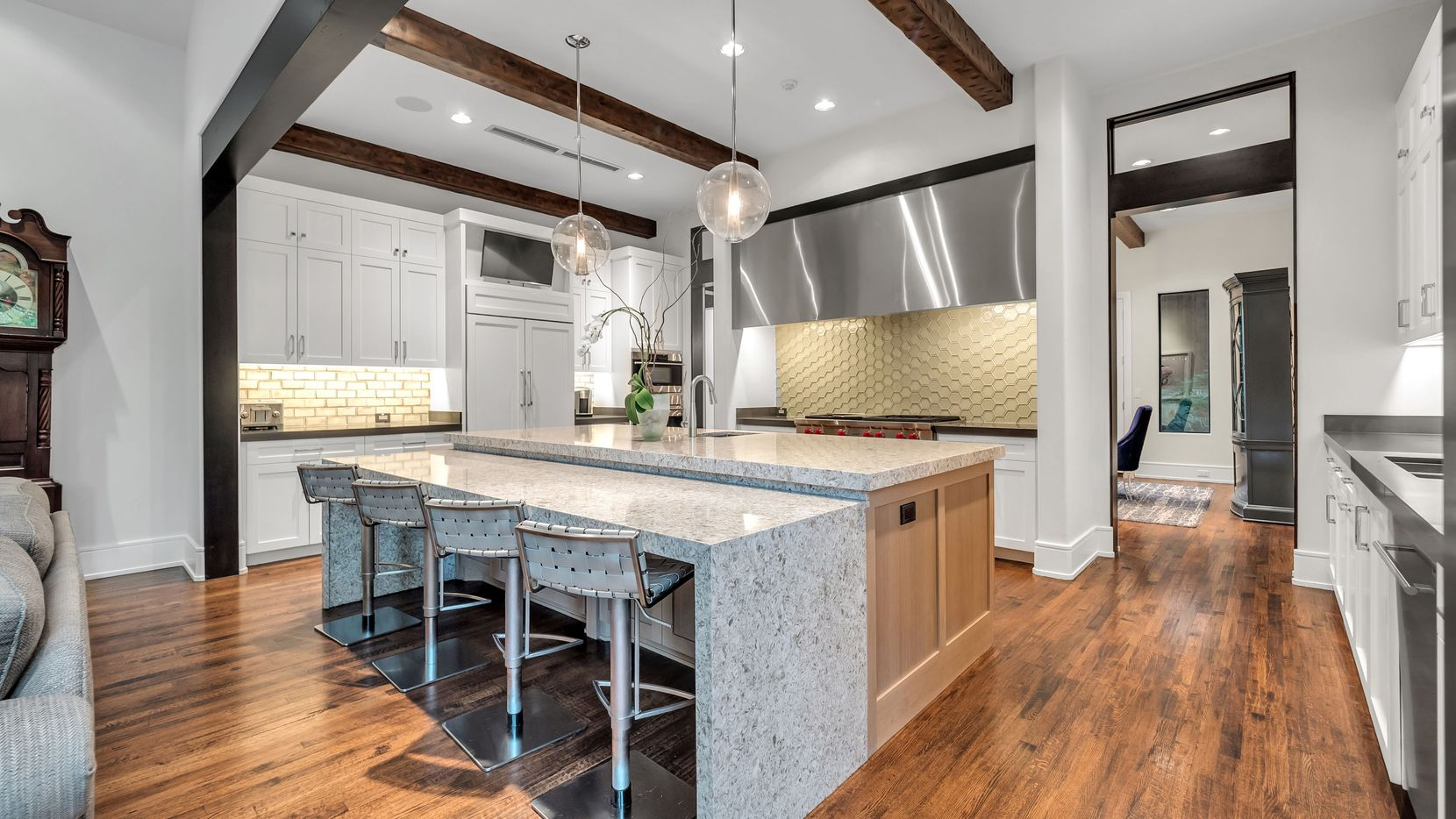 A look at the property at 11842 Doolin Court in Dallas.