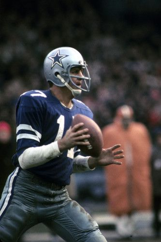 On Dec. 21, 1968, the Cleveland Browns defeated the blue-jersey-wearing Dallas Cowboys 31-20 in Cleveland. Don Meredith (pictured) threw two costly third quarter interceptions and was benched by Tom Landry, hastening Meredith's retirement seven months later, at age 31.