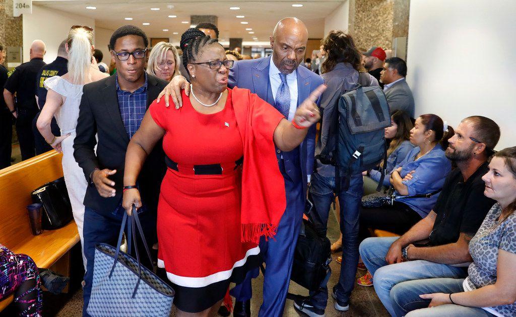 Botham Jean S Family Plans Lawsuit Against Apartment