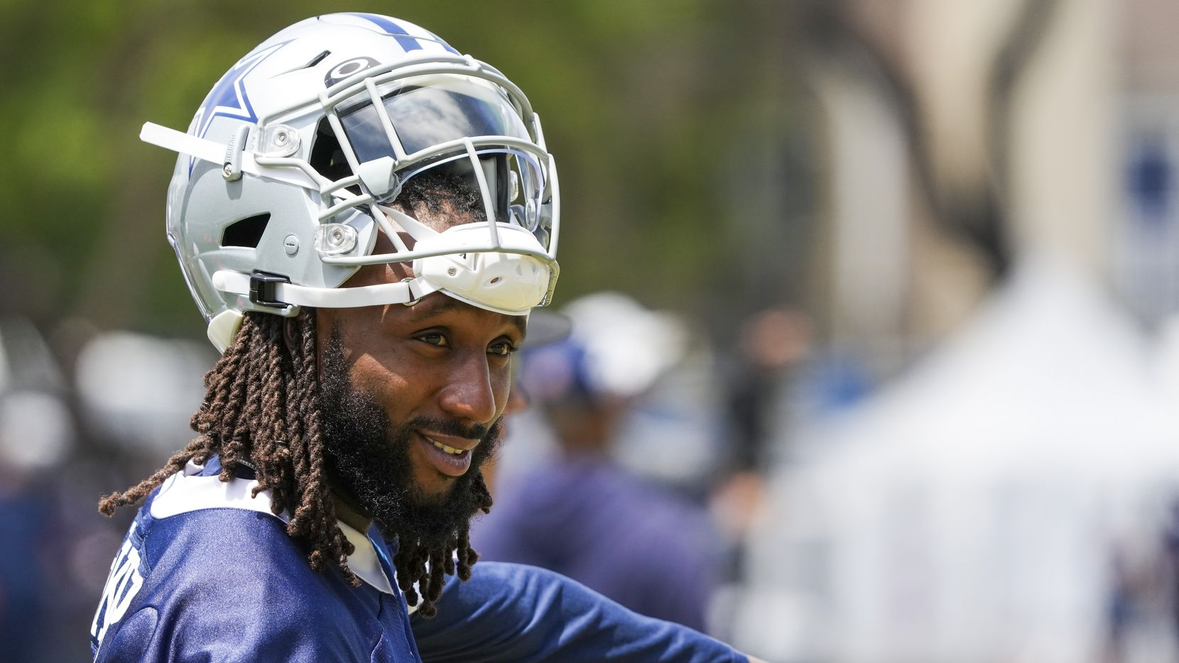 Dallas Cowboys safety Malik Hooker (28) motions from the sideline during a practice at training camp on Wednesday, July 28, 2021, in Oxnard, Calif.