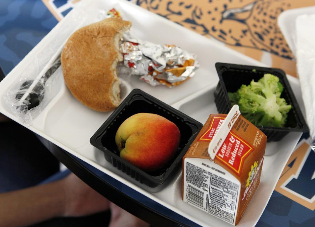 En el condado de Dallas, hay más de 325,00 estudiantes que podrían calificar para una comida después de clase, pero solo 39,390 lo están recibiendo. (ESPECIAL PARA AL DÍA/BEN TORRES)