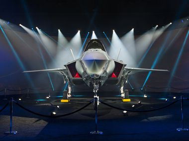 A final agreement on a long-awaited contract for the next-generation F-35 jets that would be the biggest yet for Lockheed Martin.