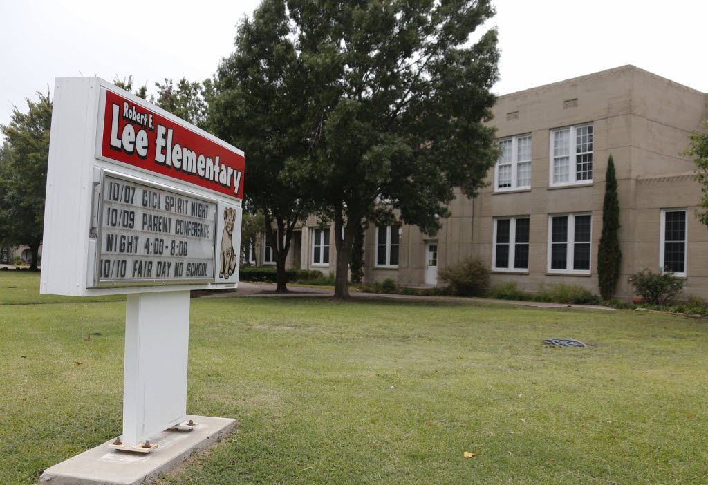 Robert E. Lee Elementary School at 2911 Delmar Avenue in Dallas, photographed on Sunday, October 12, 2014.  (Louis DeLuca/The Dallas Morning News)