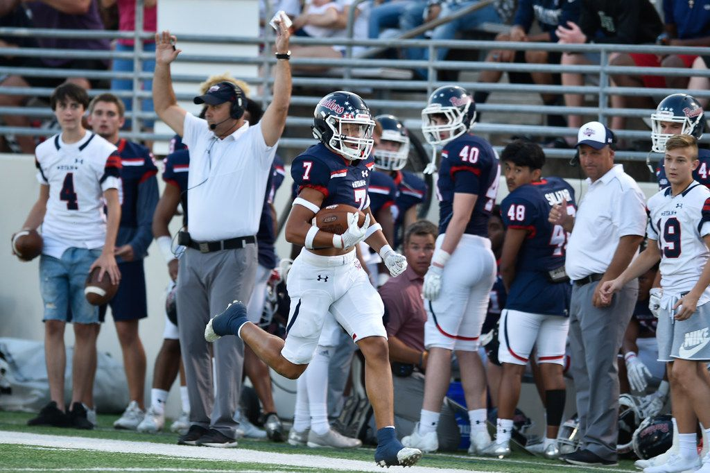 Ryan freshman wide receiver Billy Bowman jr. (7) catches a pass from Ryan senior quarterback Spencer Sanders (3) and runs in for the touchdown against the Wylie East defense at C.H. Collins Athletic Complex, Thursday, September 14, 2017, in Denton, Texas.