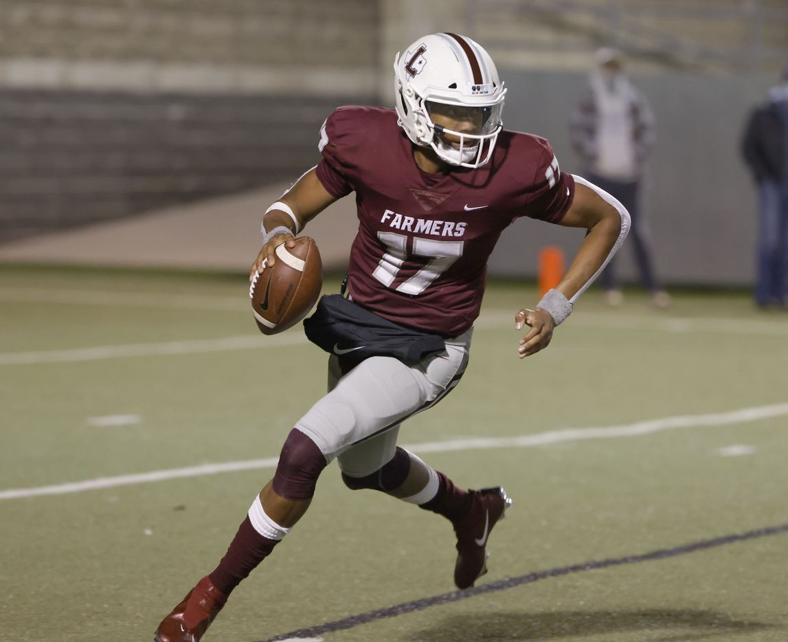 Lewisville quarterback Taylen Green (17) looks to pass against Arlington Martin during Class 6A Division I area-round playoff hight school football game on Dec. 17, 2020. (Michael Ainsworth/Special Contributor)