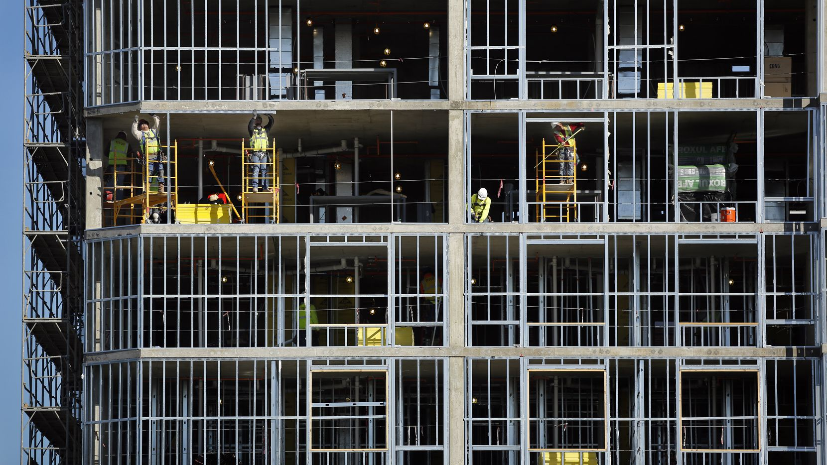 More than 35,000 apartments are being built in North Texas.